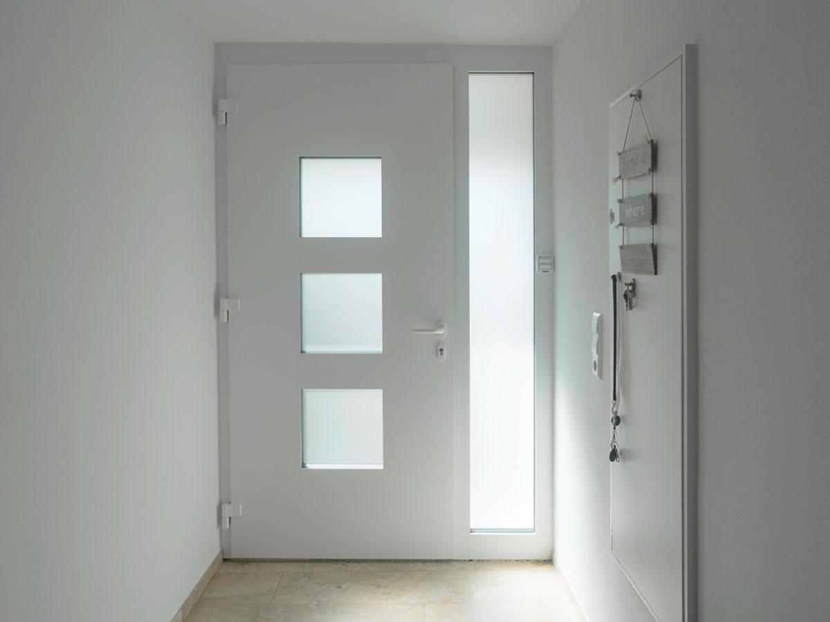 Alu Haustür in weiß in Böblingen kaufen
