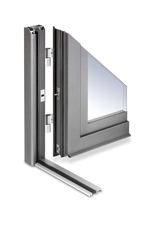 Flügeltüre für großen Lichteinfall im Hausgang